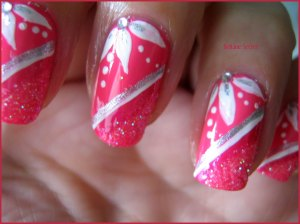 Girl Power rose paillettes nail art déco de filles  nail art